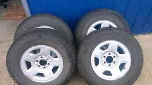 Winter tires with rims 265/70R17