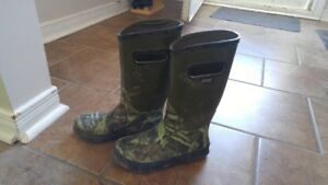 Boys size 3 Camo Boggs Rubber Boots