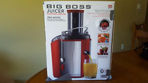 2 BIG BOSS JUICERS