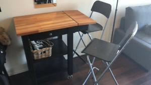 Ikea wooden kitchen\bar table in a great condition