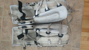 "Vaughn goalie pad 31"" +1"