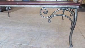 Table basse vitrée en fer forgé