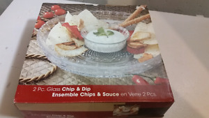 Glass chip and dip set