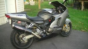 Unrestricted 2000 ZX12R Canadian Silver original owner REDUCED