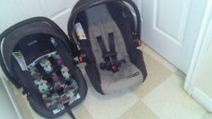 2 infant Carseats