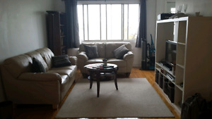HUGE 3 1/2 in Dorval PRIME location and includes garage!!!