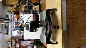 Radial arm miter saw 7 1/2""
