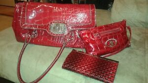 Gorgeous Red Purse w/accessories