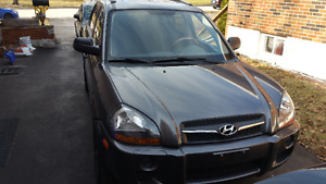 2009 Hyundai Tucson GL as is! (New Battery + Winter Tires free)