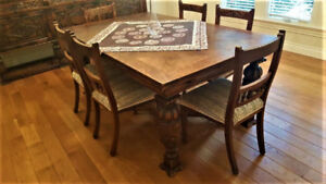 Antique dinning set and hutch