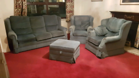 3 seater sofa, two armchairs & foot rest