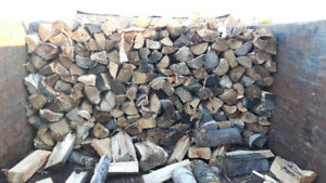 Dry hardwood firewood. Full cord guaranteed