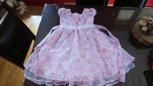 Belles robes pour fillette grandeur 8
