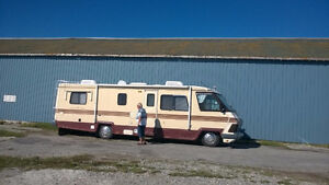 Motorhome A,32ft,exc.condition,Gulf stream classic,hitch,airlift