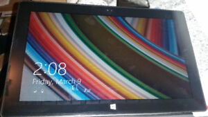 Surface rt 32gb WiFi good condition with charger 514 679 5663 S