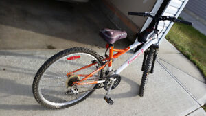 Bicycle in CAMROSE $125,
