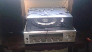 Vintage Panosonic  300 (1970s) turntable and speaker system
