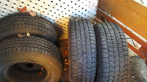 255 70R16 winter tyres Uniroyal Tiger Paw on Rims West Island Greater Montréal image 4