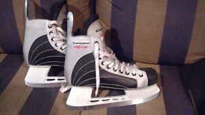 Mens Size 9 Canadien G45