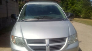 For Sale 2006 Dodge Grand Caravan clean and runs well
