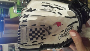 Rawlings Youth Left Handed Baseball Glove