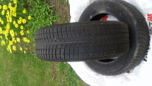 215 60 17 x ice Michelin less than 10 k 550.00 obo