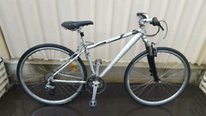 French Gitane Freedom 27 speed Hybrid Road Bike