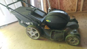 Solaris self propelled electric lawnmower