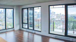 2br Sunny Corner unit with views parking available now