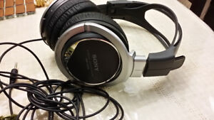 EXCELLENT ... Sony Stereo Headphone MDR-XD200