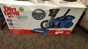 New in box Dirt Devil 082750 Vision Bagless Canister Vacuum