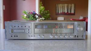 Hitachi Vintage AM-FM Tuner SP-9500