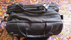 Thinktank Urban Disguise 50 Laptop and Camera Bag Kitchener / Waterloo Kitchener Area image 2