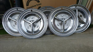 5 1956 Olds Fiesta spinner hubcaps...good condition