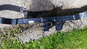 Hitch for Hyundai Santa-FE reduce price for quick sale $175
