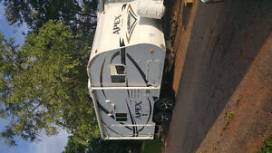 Apex by Coachman 18.9ft couples camper