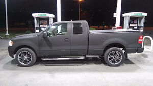 04 FORD F150 4X4 WITH BRAN NEW RUBBER