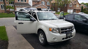 2011 Ford Escape XLT Includes Winter Tires and Rims