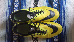 Youth Soccer Cleats Soccer Boots Nike Hypervenum Size US 9.5