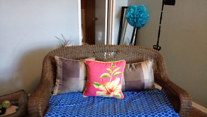3 throw pillows for 20$for set