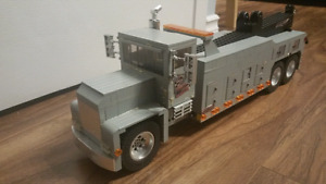 Model tow truck