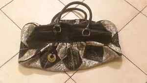 WOMANS PURSES NEED GONE ASAP!