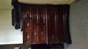 Set de chambre en acajou Gibbard craftsmen
