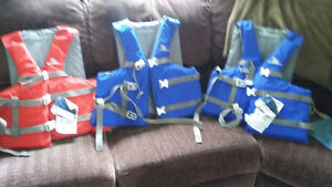 Like new Over size Life Jackets call/text (519) 520-0767