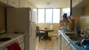 Sublet For Master Bedroom in Apartment Right Next To Sheridan