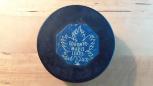 1967/68 LEAFS NHL CONVERSE OFFICIAL GAME USED PUCK USA Art Ross