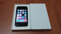 Apple iPhone 4S Black 8GB in Excellent Condition (Telus/Koodo)
