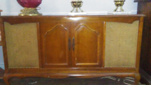 VINTAGE FRENCH PROVINCIAL STERO