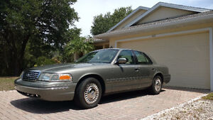 2001 Ford Crown Victoria - Florida Car - 73,000 MILES