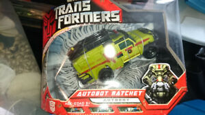 Transformers 2007 Voyager Class Movie Ratchet